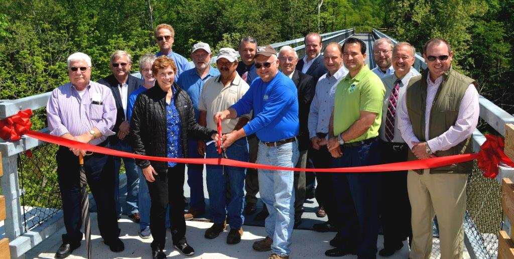 Ribbon cutting at H&BT Bridge